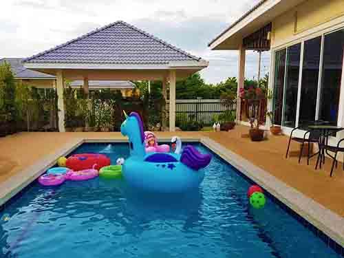 บ้านพักชะอำ อินทรา พูลวิลล่า Intra Cha-Am Poolvilla