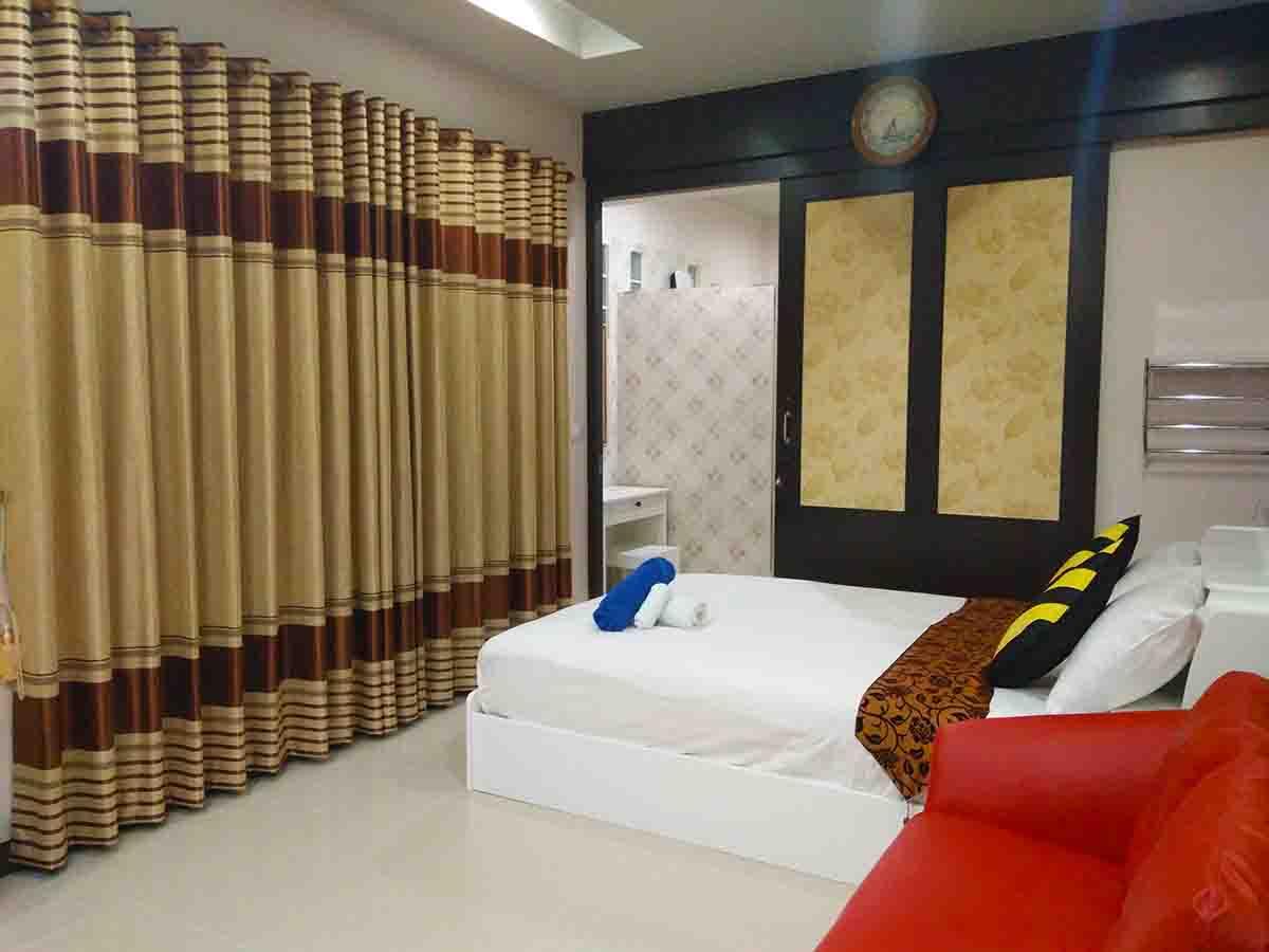 บ้านพักหัวหิน เดอะ ร็อคโฮม พูลวิลล่า (ห้องทับทิม)