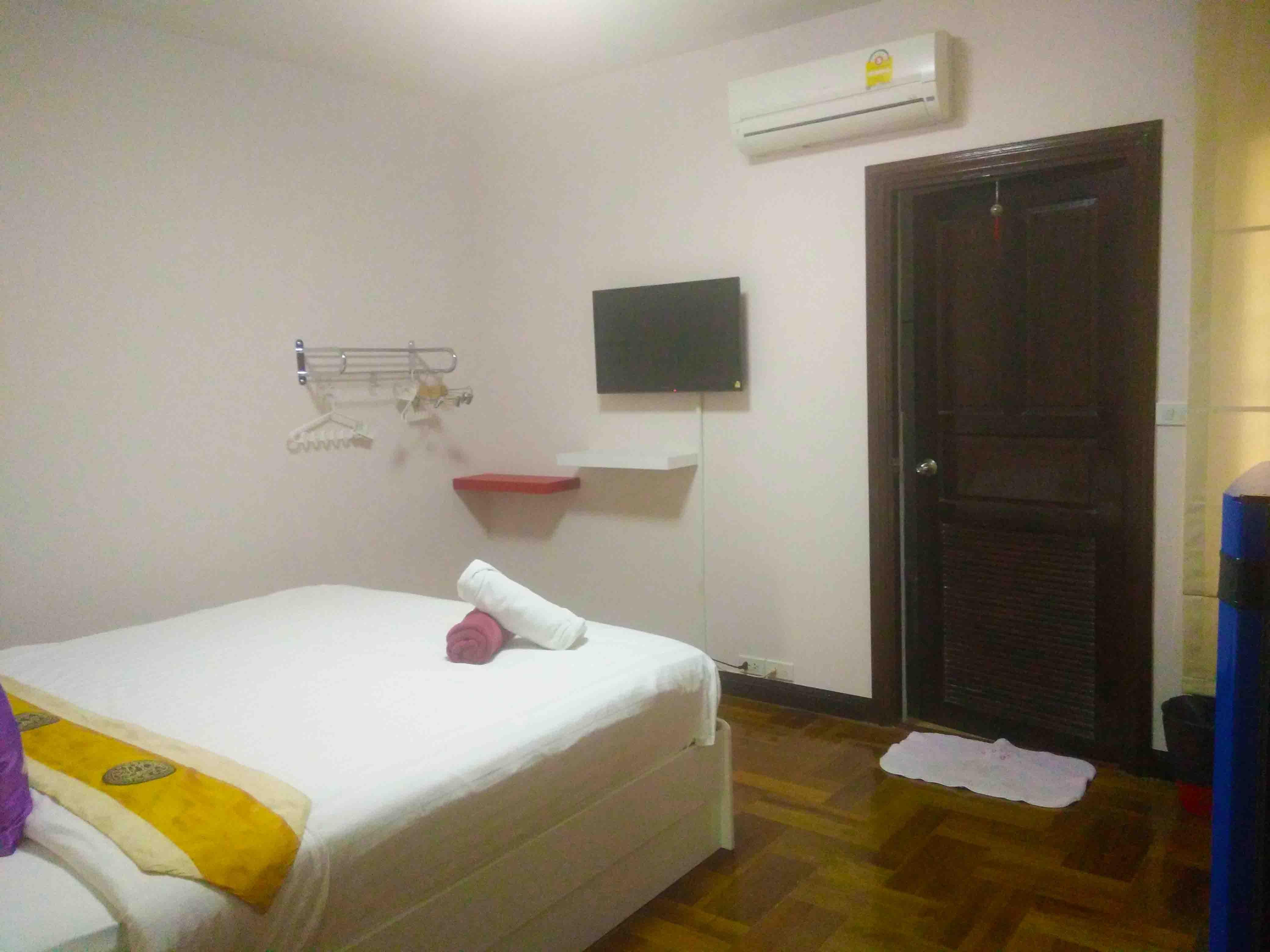 บ้านพักหัวหิน เดอะ ร็อคโฮม พูลวิลล่า (ห้องเพชร)