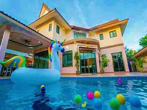 บ้านพักพัทยา ที่พักพัทยา อาริกา พัทยา พูลวิลล่า Areca  Pattaya Poolvilla