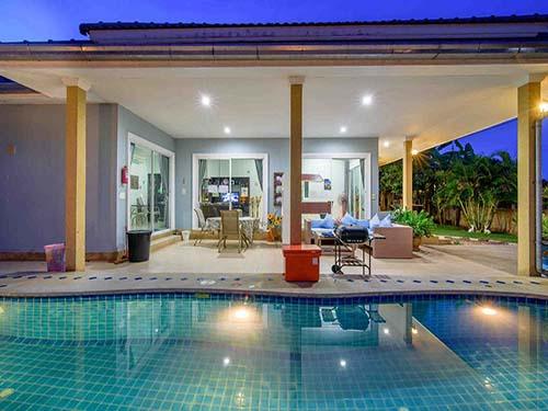 บ้านพักหัวหิน ชมสวน พูลวิลล่า หัวหิน Chomsurn Huahin Poolvilla Hotel
