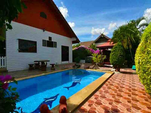 บ้านพักหัวหิน สริญญา หัวหิน พูลวิลล่า Sarinya Huahin Poolvilla Hotel