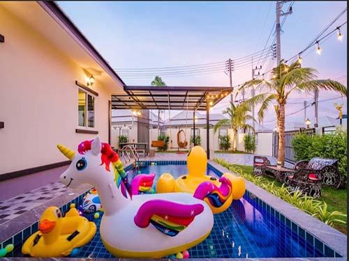 ชื่นกมล พูลวิลล่า Cheunkamol Huahin Poolvilla พูลวิลล่า ที่พักหัวหินราคาถูก ที่พักหัวหินใกล้ทะเล จองที่พักหัวหิน บ้านพักมีสระว่ายน้ำ โรงแรมหัวหิน ติดทะเล